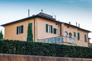 Villa Signorile, mura, immobile