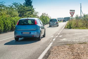 Strada urbana, trasporti, macchine vetture