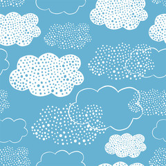 Seamless pattern of hand drawn doodle clouds