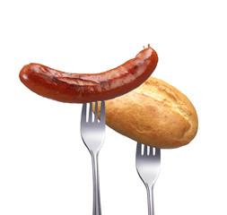 Gegrillte Rindswurst mit Brötchen