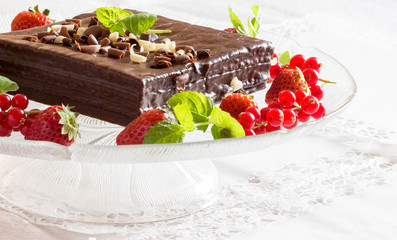 Chocolate cake with mint and strawberry