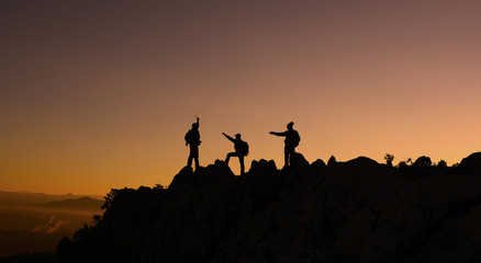 kayalıklardan çevreye bakmak