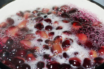 Grape compote boils