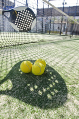 Paddle tennis shadow