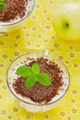 apple dessert of tiramisu with chocolate