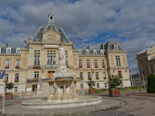 Fontaine de l h tel de ville d evreux 27 by bernard 63 for Piscine d evreux