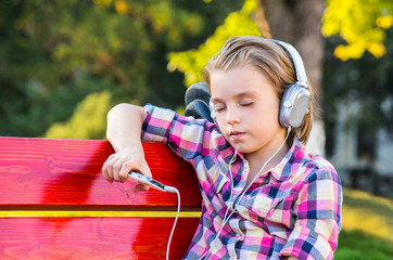 Child listening to the music.