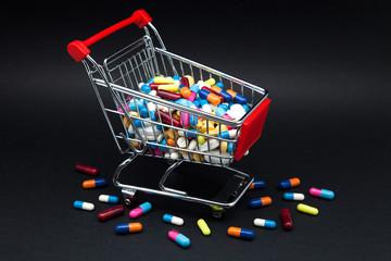 pildoras y capsulas en carrito compra