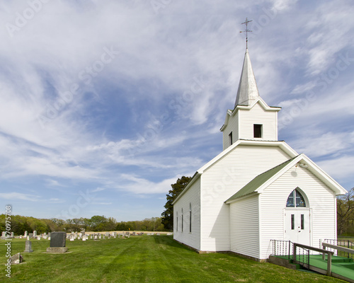 Foto op Canvas Bedehuis Cuntry Church and Cemetery