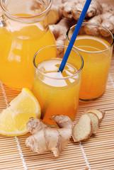 succo di limone e zenzero con zucchero di canna