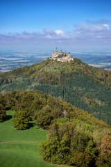 Burg Hohenzollern im beginnenden Herbst