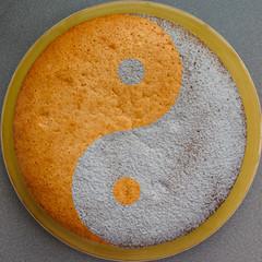 Bizcocho yin and yang