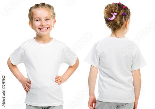 Little girl in a white T-shirt - 70997907
