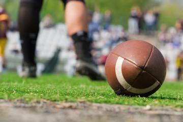 American football balland de-focused players