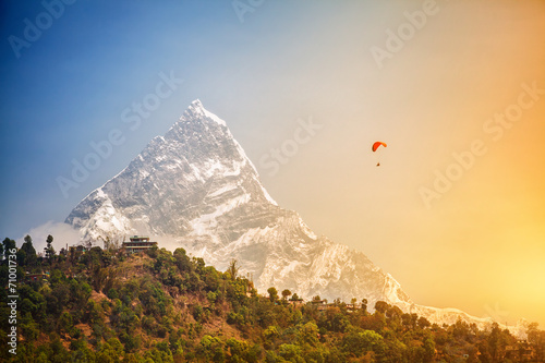 Foto op Aluminium Luchtsport Paragliding in Himalaya