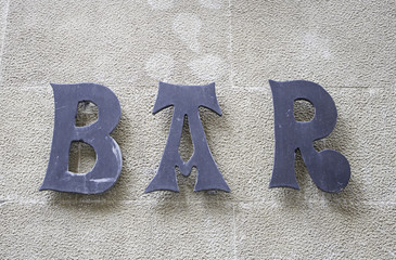 Black bar sign
