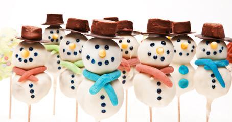 Schneemänner aus Marzipan
