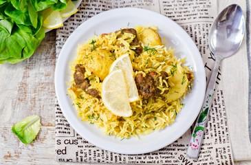 Рис с картофелем, говядиной и орешками