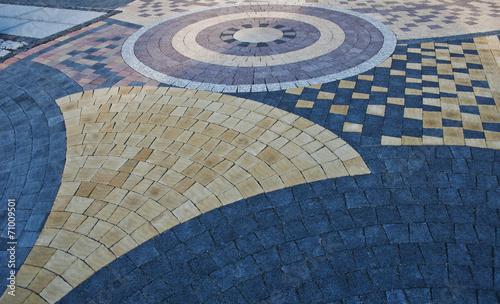 pattern on the pavement - 71009501