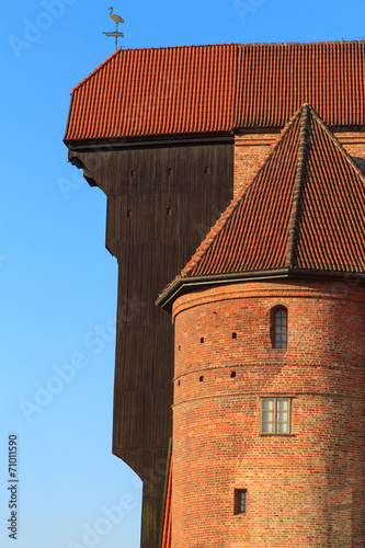 A view of an old crane in Gdansk old Town, Poland © Marcin Krzyzak