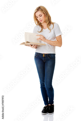 Student woman with book - 71017972