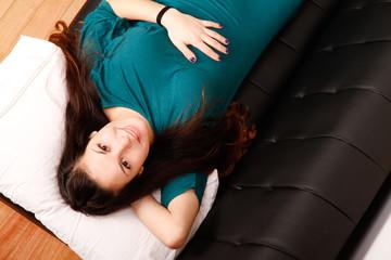 Auf dem Sofa ausruhen