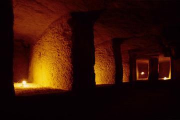 interno piramide di micerino faraone piana di giza cairo egitto