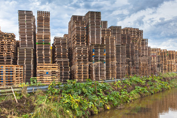 Wooden Transportation Pallets Recycling
