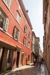 Rue de Zadar et façades colorées