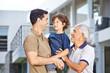 Männer einer Familie in drei Generationen