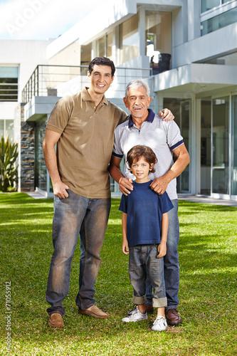 canvas print picture Familie in drei Generationen wohnt zusammen
