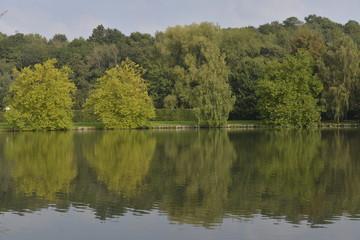 L'automne au lac de Genval près de Bruxelles Capitale