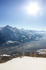 Panorama in montagna con neve