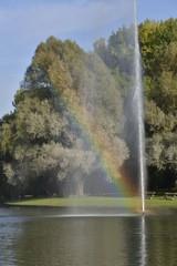L'arc-en-ciel à la fontaine de l'étang d'Anderlecht