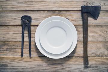 Bizarre tableware