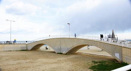 Puente de la playa de la Mar Bella, Barcelona