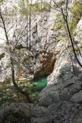 Rivière dans le canyon de Packlenica-Velebit