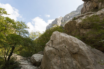 Sentier dans Paklenica-Velebit