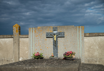 Croix dans un cimetière