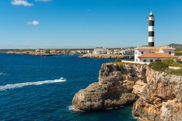 XXX - Steilküste mit Leuchtturm von Portocolom, Mallorca -  3615