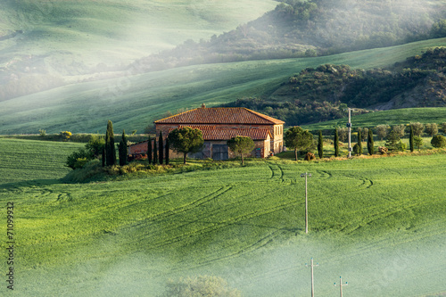 Tuscany Farm in Fields - 71099932