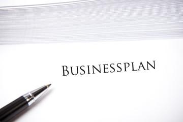 Businessplan Überschrift auf leerem Dokument
