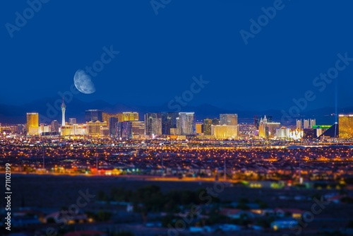 Leinwanddruck Bild Las Vegas Strip and Moon