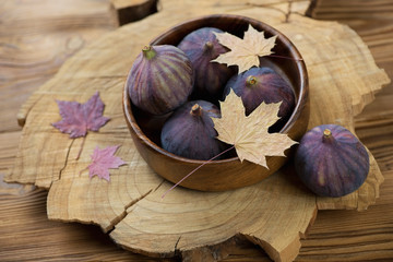 Still life food: autumn figs, horizontal shot
