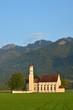 canvas print picture - Kirche auf dem Land in Bayern