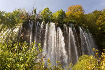 Cascades et chutes d'eau à Plitvice