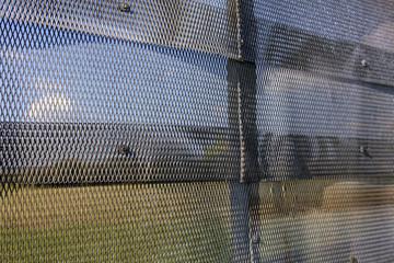 Metallzaun mit Todesstreifen an der deutsch-deutschen Grenze