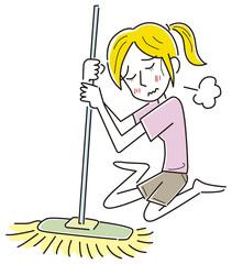 掃除に疲れる女性