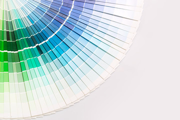 Open Pantone sample colors catalogue.