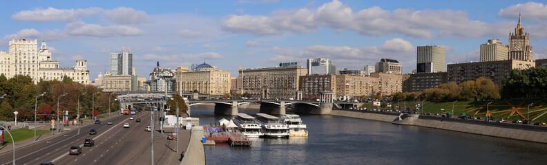 Панорама с моста Богдана Хмельницкого.